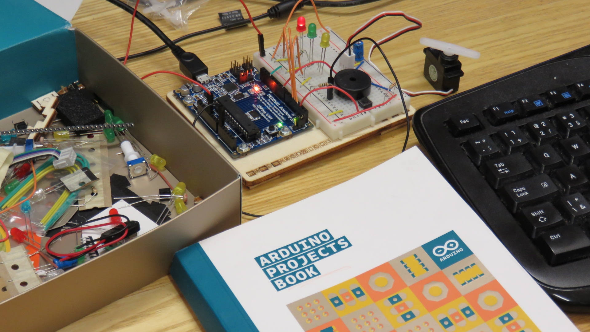28Pins with Arduino book